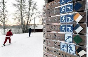 När pay and ski-anläggningen fick konkurrens från spår med natursnö blev det omöjligt att fortsätta ta betalt. Inför nästa säsong överväger Högbo Bruk att börja ta betalt för all längdskidåkning.