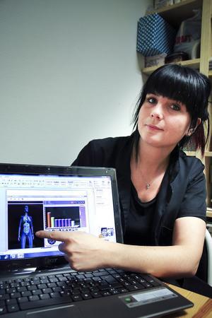 Hälsoscanning via EIS-metoden väckte Jenny Näsströms intresse. Hon spårade in på hälsobranschen, mäter det inre tillståndet med hjälp av svagström (Electrical Interstitial Scan).