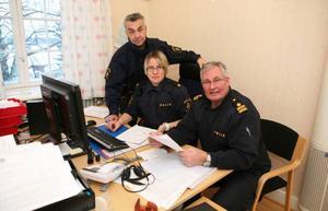 – Det är angrepp på hela samhället, säger poliserna Lars Rosenberg, Anna-Karin Hoffman och Göran Bergström om de sabotage polisen i Strömsund råkat ut för de senaste åren.