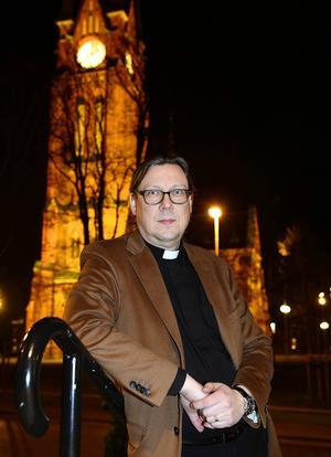 Kyrkoherden Stefan Andersson åker i helgen med stora delar av sin personal till Tyskland för att gå i reformisten Martin Luthers fotspår.