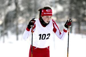 Ebba Brink från Bjuråker gick i mål som tvåa i D 15-klassen.