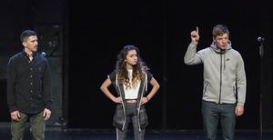 Yassin (Karim Carlsson), (Dana) Shada-Helin Sulhav) och Robin (David Book) är alla framskrivna ur verkliga ungdomars berättelser. PRESSBILD.   Roger Stenberg