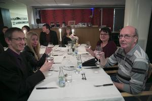 Förhandlingschefen Kalle Johansson och kanslichefen Ewa Dagwall delade bord med Anders Andersson och Kicki Rubensson-Miettinen vid kommunens veteranfest.