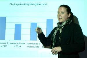 Maria Salomonsson, utredare på arbetsförmedlingen, visade en försiktigt optimistisk prognos