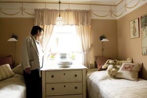 Vacker inredning. Inger Berggren har inrett huset i sann Carl Larsson–anda. Foto:Stina Rapp