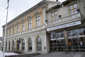 Kulturhuset Glada Hudik - i stort behov av renovering.