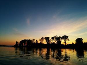 Här är en bild på en solnedgång över Lidö i veckan - Sahara på svenska. Foto Sofie Adler