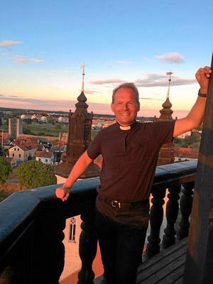 Jonas Ahlsson är kyrkoherde i Hallsbergs församling.