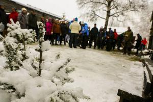 Julstämning och en hel del, om även blöt, snö föll över marknaden.