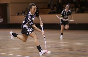 Madelene Backlund gjorde två mål och sex assist. Här gör hon 1-0. Foto: Mikael Stenkvist