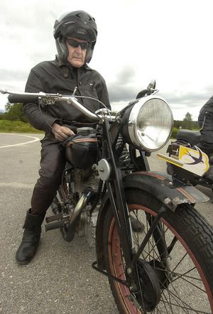 Rune Jansson från Hofors kör en Svalan från 1952.