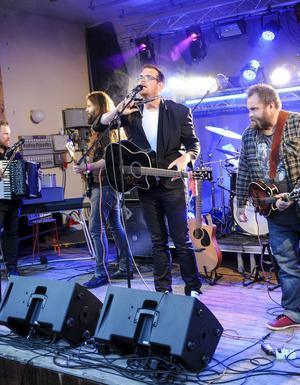Gamla Mejeriet var första bandet ut på scenen.