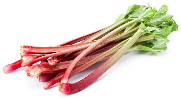Rabarber är en grönsak där bladskaften går att äta.