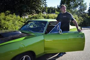 Jonas Andersson från Hudiksvall hade varit med och tävlat ute på motorstadion med sin Dodge Coronett från 1968.