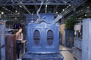 Gamla bedagade möbler säljer som smör i dag, berättade utställarna på Formex.