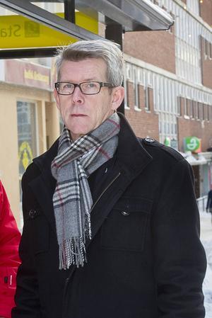 Ångermanlands Ishockeyförbunds ordförande Peter Blomqvist drog en suck av lättnad när Modo klarade kontraktet i SHL.