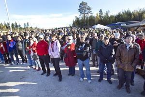 Ingivningen av nya Europavägen blev rena folkfesten. Uppemot 800 personer ville vara med när historia skapades.