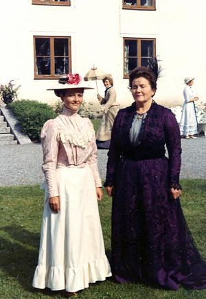 Svea Engström med dottern Gittan.