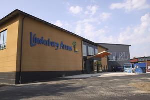 Kan spricka. Kostnaderna för Lindesberg arena kan bli dyrare än beräknat. Som mest kan det handla om 6,5 miljoner kronor.  ARKIVBILD