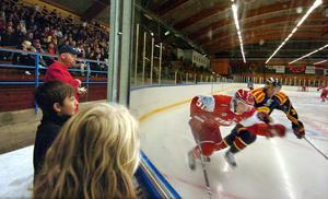 980 åskådare i Bollnäs ishall fick valuta för entrén när Brynäs och Timrå bjöd på träningsmatch med extra energi.