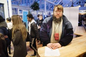 Erik Hansson hoppas att ett sommarjobb kan vara vägen tillbaka till arbetsmarknaden.