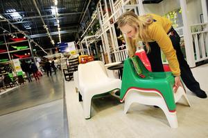 De stapelbara ministolarna i klassisk Ikea-design är redan en favorit bland barnfamiljerna, berättar Viktoria Collén på Ikea i Västerås.