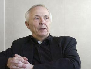 Hälsingeföretaget Mitt Hjärta knyter Lennart Nyman till sig för verksamheten i Västmanland. Den 66-årige socialchefen har nappat på ett erbjudande från det privata vårdföretaget.