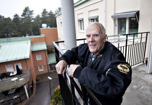 Balkongen fanns inte när Gunnar Jonasson var inlagd på sanatoriet. I stället låg patienterna på altaner för att lufta lungorna, insvepta i tjocka filtar i vinterkylan. Gunnar låg inlagd mellan den 15 augusti och veckan före jul 194.