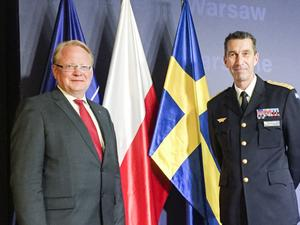 Försvarsminister Peter Hultqvist (S) och ÖB Micael Bydén.