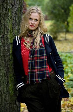 Sara Alström blev rikskändis i och med rollen som redardottern Lina Dahlén i tv-serien Rederiet.