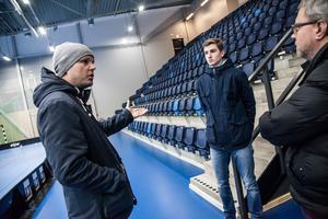 Pappa Mattias Haglund och Kevin Haglund är upprörda över klubbledarnas beteende berättar de för LT:s reporter Leif Granlind.