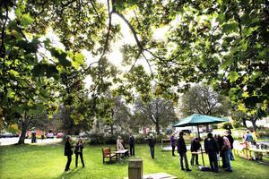 Den omdebatterade parken vid protestmötet i september.
