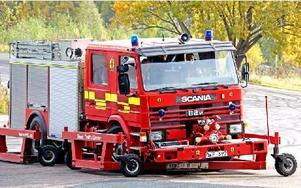 Brandbilen vid övningen är utrustad med anordning så att hjulen kan ställas in från förarhytten och simulera olika vägunderlag Foto: Johnny Fredborg