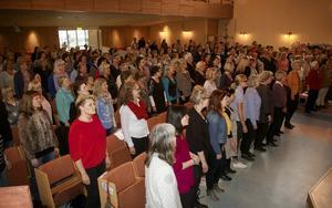 """300 sångare. Intresset har varit stort för """"Sjung med Spångberg"""" som åtminstone tills vidare är den nya körens namn."""