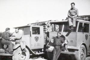 Paus. Från vänster ser vi Evert Lundgren, Gustav Selin, Valdemar Lundgren och Gustav Lundgren. Bilden togs år 1936.