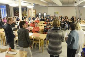 Föräldrarna i Sånghusvallen gick man ur huse för stormötet om skolans framtid.