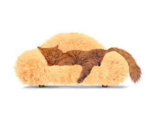 Katter vill så klart också ligga bekvämt och med stil. Denna lurviga soffa heter Catnap och kommer från swecat.com. Kostar 1 695 kronor.