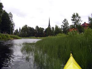 Början. De första paddeltagen i Hemulån i Mora. Foto:AndersStöt