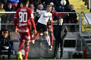 Axel Kjäll fick se ÖSK släppa in tre mål under mitten av andra halvlek i lördagens match mot Östersund.