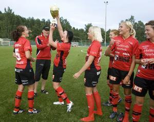 Glädje i Team Hudik efter ännu ett DM-guld.