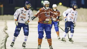 Sportchef Johan Andersson väntar på besked.