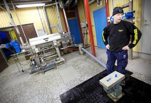 Det är maskinen bakom Lars Åsell som tar hand om slammet och pressar ut vattnet.