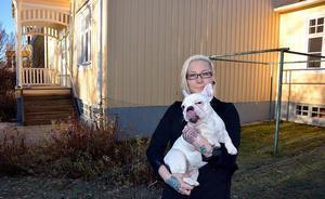 Anna Hansson är nominerad till Årets rookie, vilket var en nyhet som även uppskattades av franska bulldoggen Selma.