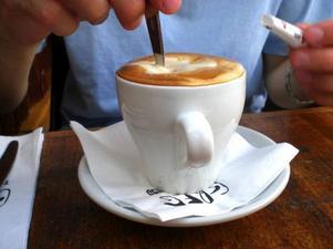 Kaffe är ingen lämplig måltidsdryck för den som vill förebygga järnbrist.