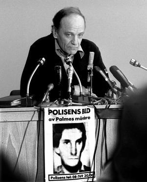 Blev fel. I början begicks flera misstag i Palmeutredningen av länspolismästare Hans Holmér.foto: scanpix