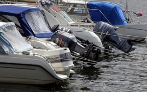 – Stora båtar är värre ur miljösynpunkt och ljudnivån är ju betydligt högre än en vattenskoter, menar Mikael Norrman. Fotograf: JANERIK HENRIKSSON / TT