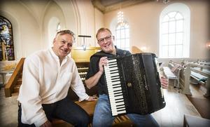 Håkan Dahlén och Jörgen Sundeqvist ger sig ut på en ovanlig turné.