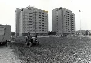 Höghus på Bäckby, fotograferade i september 1980.
