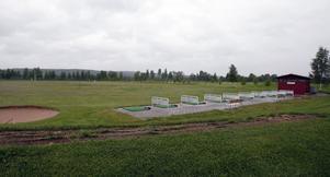 På golfbanan i Ljusdal var det tomt. Ingen var sugen på att lära sig spela golf i regnet.