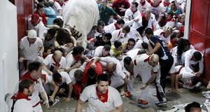 Tjurrusningen i Pamplona skördar sina offer - både människor och tjurar.